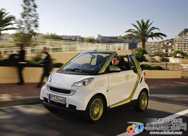 Smart-fortwo_electric_drive_2010_1600x1200_wallpaper_08.jpg